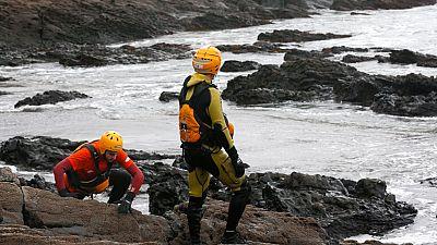 Vientos de más 100 km/h dificultan la búsqueda del bebé desaparecido en Navia, Asturias