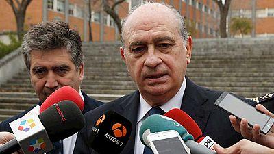 """Fernández Díaz cree que ETA espera como """"agua de mayo"""" un gobierno con Podemos"""