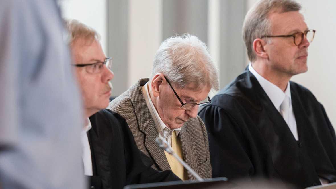 Reinhold Hanning de 94 años, ex SS y guardián en Auschwitz, juzgado por colaboración en el Holocausto