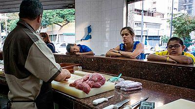 Los problemas energéticos de Venezuela provocan la reducción de las horas de apertura de los comercios