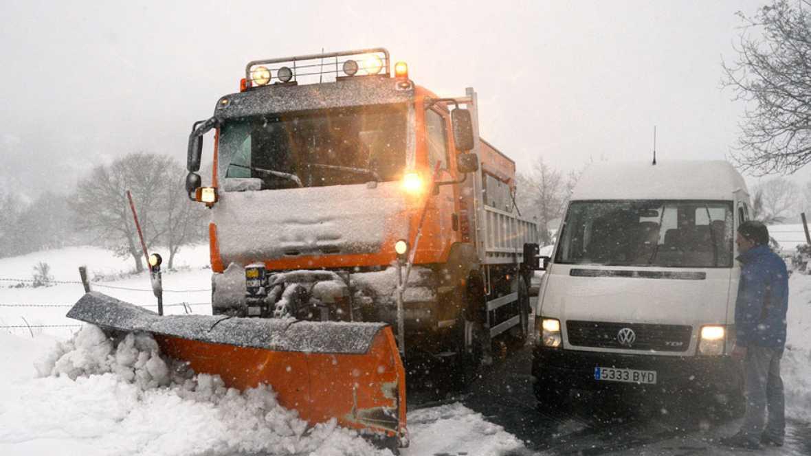 La nieve obliga cerrar la autovía A-67, que une Cantabria con la Meseta