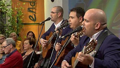 """Tenderete - 14/02/2016 con """"Alma de boleros"""" y """"Los Tendereteros"""" con varios solistas."""