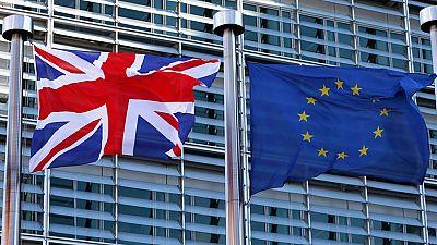 Cameron negocia en Bruselas antes de la decisiva cumbre que abordará la continuidad de Reino Unido en la UE