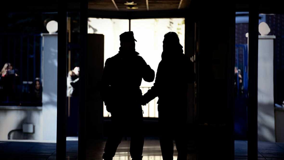 La Policía incauta 1.200.000 euros en tres de los domicilios registrados en el caso Vitaldent