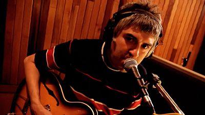 El músico indie Alex Cooper celebra su 30 aniversario con un disco recopilatorio de su carrera