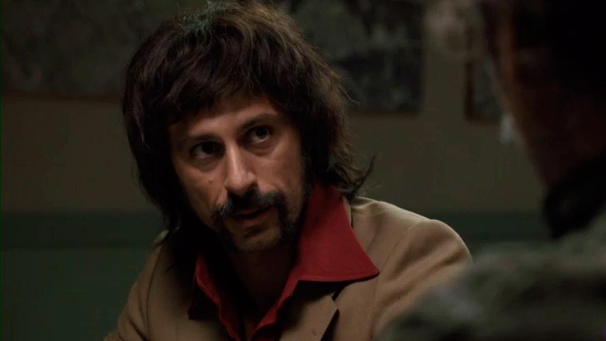 Pacino cuenta a Alonso quién era Serpico