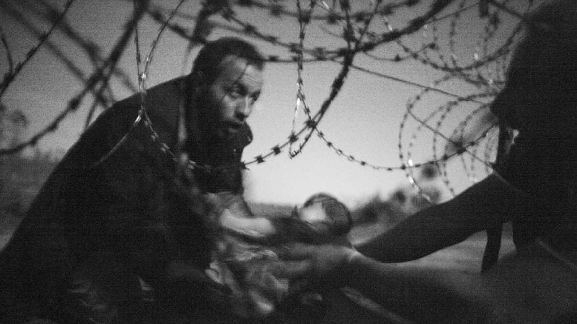 'La esperanza de una nueva vida' del australiano Warren Richardson gana el World Press Photo 2016