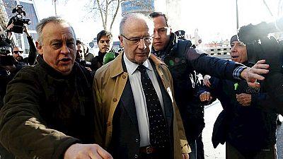 Rato llega al juzgado entre insultos para declarar por el origen de su patrimonio