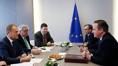 Los líderes de la UE tratan de limar los asuntos más espinosos para cerrar un acuerdo que evite la salida de Reino Unido