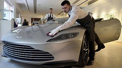 Subastan el Aston Martin de la última película de James Bond por 3,15 millones de euros