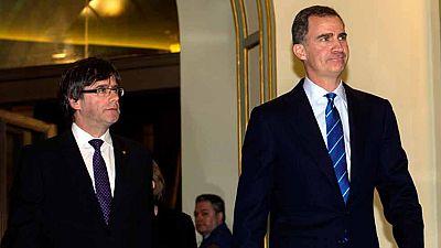 El rey subraya ante Puigdemont que Cataluña y el Estado deben trabajar juntos por el bien común