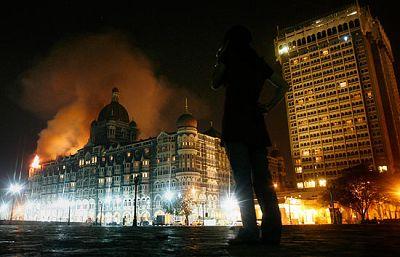 El embajador de España en la India ha confirmado que hay dos españoles heridos en los ataques terroristas sucedidos en Bombay.