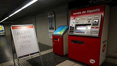 La primera jornada de huelga de los trabajadores del metro de Barcelona complica la movilidad en la ciudad