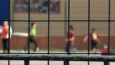 Una profesora ha sido denunciada por presuntamente atar a un niño de 8 años a una silla en Cádiz