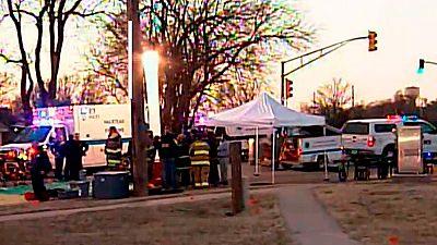 Cuatro muertos y 14 heridos en un tiroteo en Kansas