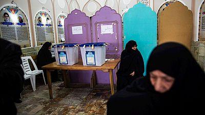 Irán vota en unas elecciones clave para renovar su Parlamento y la Asamblea de Expertos