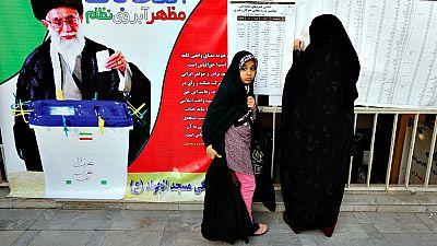 Irán vota en unas elecciones clave que dirimen la disputa entre reformistas y conservadores