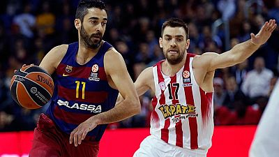 El FC Barcelona Lassa ha ganado al Oympiacos (82-66) en la octava jornada del 'Top 16' de la Euroliga y se ha reavivado a sí mismo con un triunfo que les da aire, les hace mantener intactas sus opciones de pasar a los 'play-offs' y sobre todo les da