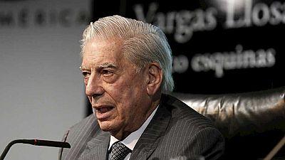 """Vargas Llosa presenta su última novela """"Cinco esquinas"""""""