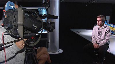 El piloto español de McLaren, Fernando Alonso, ha sido entrevistado en TVE, donde ha asegurado que seguirá en el circo de la F!, al menos, dos temporadas más.