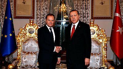 Turquía y la UE pactan un principio de acuerdo para controlar el flujo de refugiados