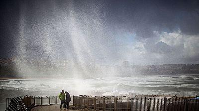Un temporal de lluvia y viento entra por el norte de la península