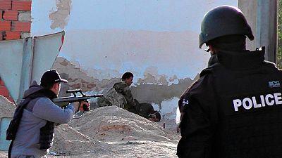 Un ataque yihadista en la frontera de Túnez deja medio centenar de muertos