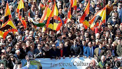 Miles de personas se manifiestan a favor de la fiesta de los toros en Valencia