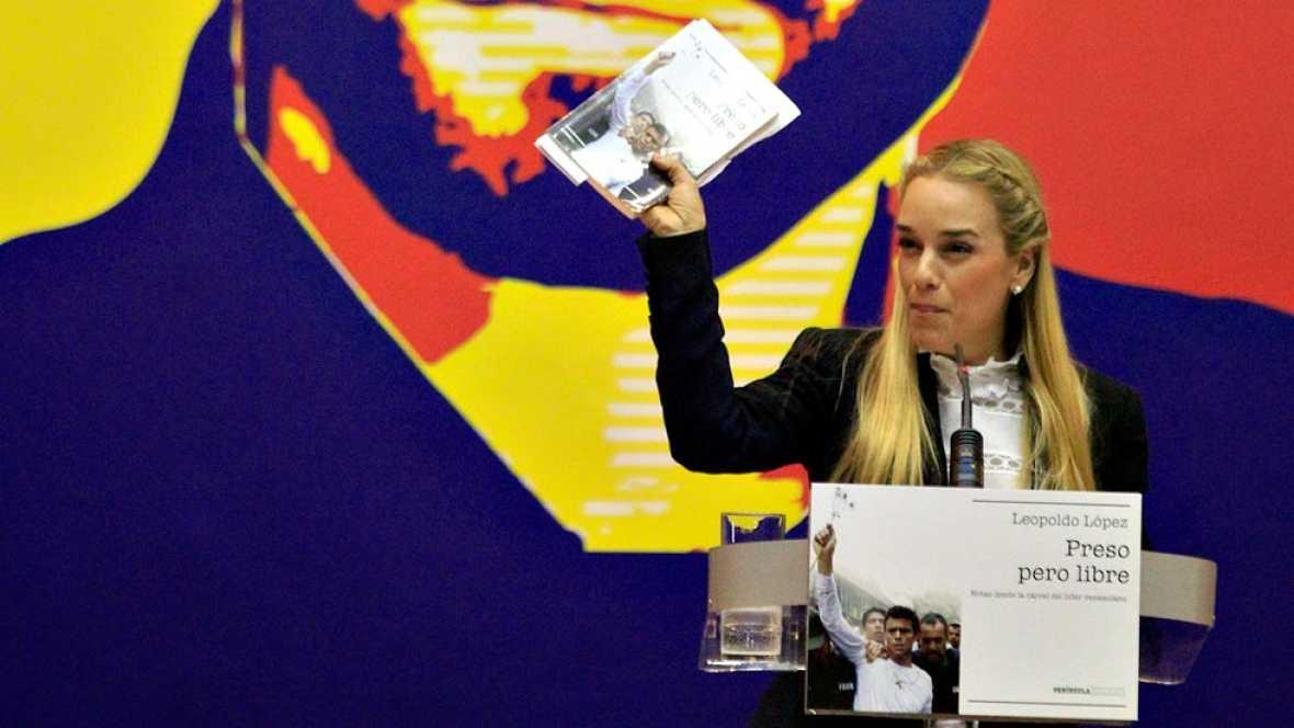 Lilian Tintori presenta en Madrid el libro escrito por su marido, el opositor venezolano Leopoldo López, en la cárcel