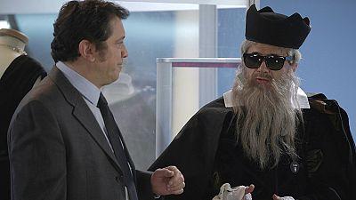 José Mota presenta - 'Nostradamus hoy' Tienda de ropa