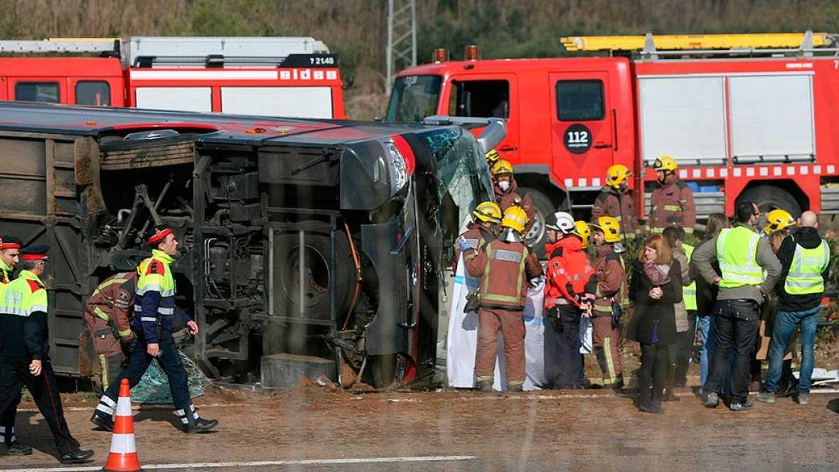 Al menos 13 muertos en un accidente de autobús en Tarragona