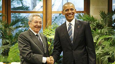 Raúl Castro recibe a Obama en el Palacio de la Revolución de la Habana en un encuentro histórico