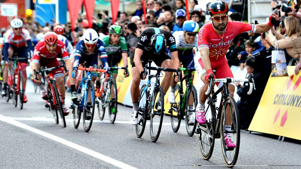 El francés Nacer Bouhanni (Cofidis) ha ganado hoy la primera etapa y se ha convertido en el primer líder de la Volta Ciclista a Cataluña, en una primera etapa en la que los favoritos para llevarse la ronda catalana no se han dejado sorprender. El vel