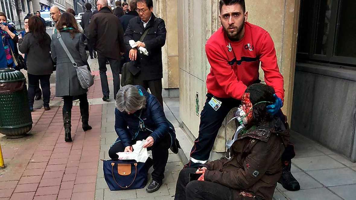 Un doble ataque yihadista en Bruselas mata a una treintena de personas en el coraz�n de Europa