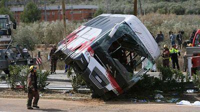 Los Mossos creen que el conductor del autocar accidentado en Tarragona se durmió o se distrajo al volante
