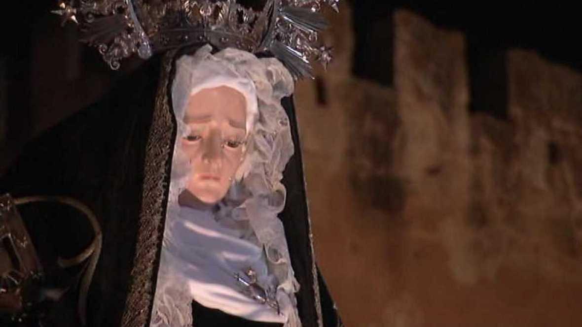 Semana Santa 2016 - Procesión de Ntra. Sra. de la Soledad y Santo Entierro - ver ahora