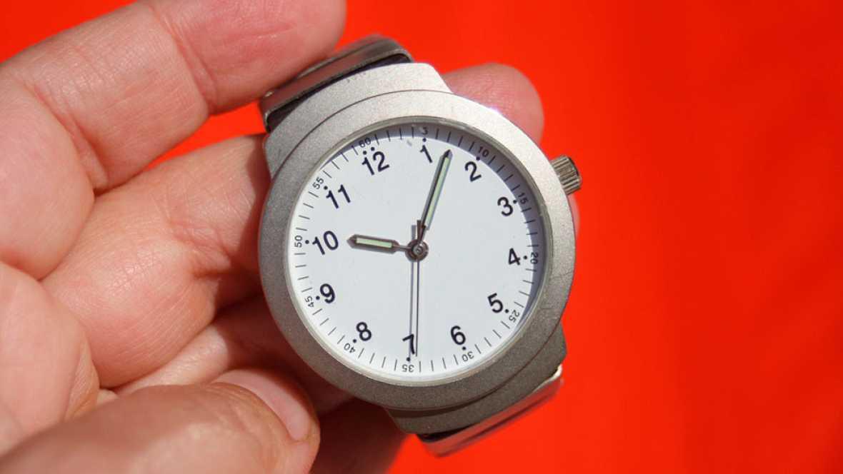 Adelantar los relojes supone un ahorro de 300 millones de euros