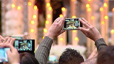 Las procesiones también atraen a los turistas extranjeros en Barcelona