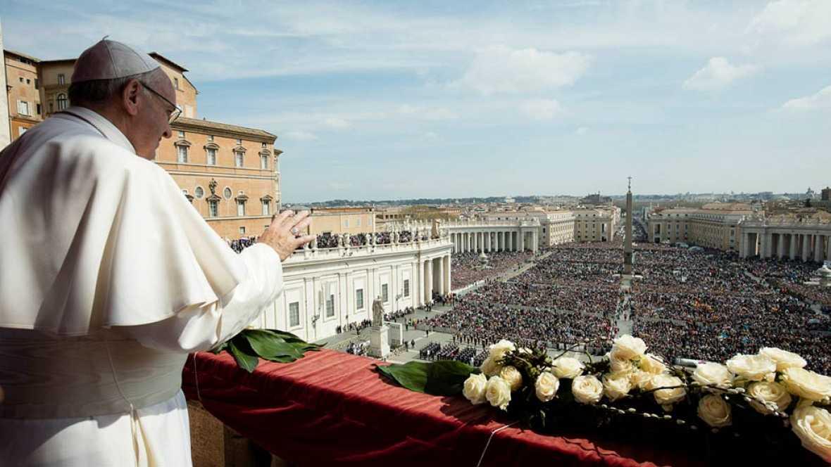 El papa recuerda el drama de los refugiados durante su bendición Urbi et Orbi