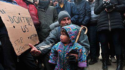 11.000 refugiados siguen esperando que se abra la frontera con Macedonia
