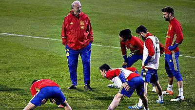 La selecci�n de Ruman�a encara un amistoso de enjundia ante la vigente campeona de Europa, con su equipo de gala para medir su potencial antes de participar en la Eurocopa de Francia, frente a una selecci�n espa�ola que debe mejorar la desconocida im