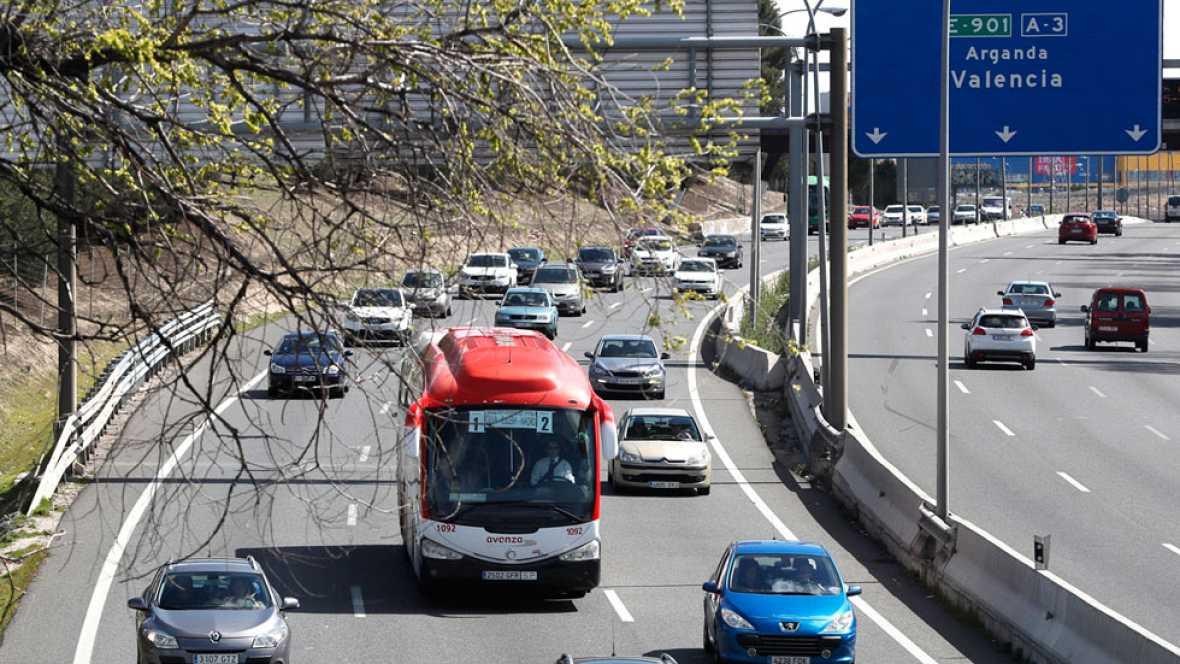 Atascos en las principales carreteras en el retorno de Semana Santa
