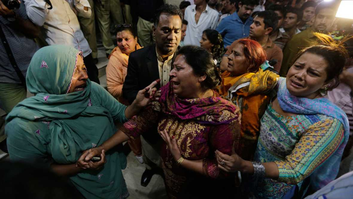 Un atentado suicida mata a decenas de personas en un parque de Lahore, en Pakistán