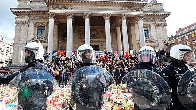 Una docena de detenidos al irrumpir un grupo de radicales en la plaza de la Bolsa de Bruselas