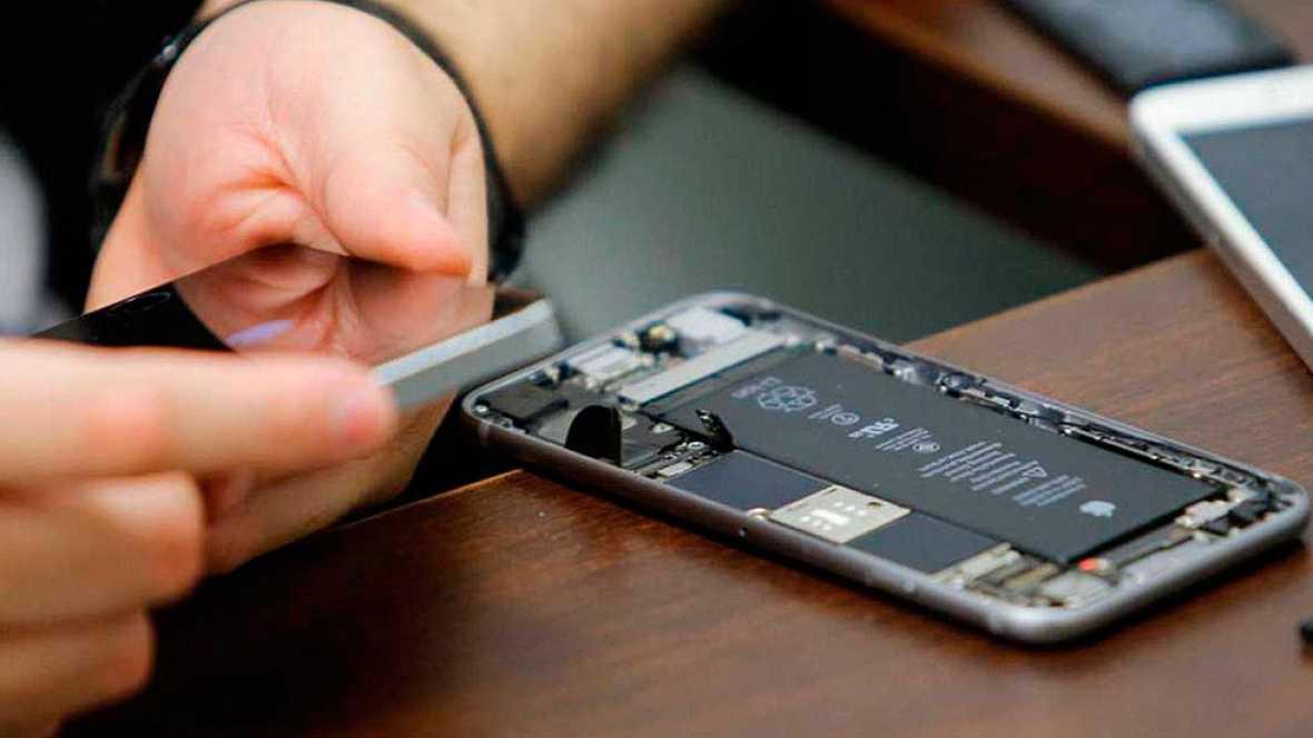 El FBI consigue acceder al móvil del autor del tiroteo de San Bernardino sin la ayuda de Apple