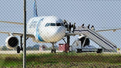 Aterriza en Chipre un avión de Egyptair secuestrado entre Alejandría y El Cairo