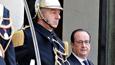 Hollande abandona el proyecto de reforma de la Constitución de Francia que incluía medidas contra el terrorismo