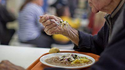 Despedida una empleada del comedor de un albergue de Tenerife por llevarse pan y 150 gramos de queso