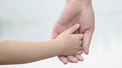 La Audiencia de Toledo revisa una sentencia que concedió la custodia de una niña a su padre, condenado por malos tratos contra la madre