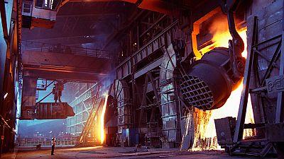 China se enfrenta a cifras récord de despidos en la industria del acero